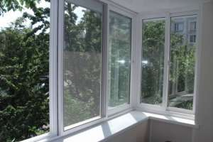 Раздвижные ПВХ окна для балконного остекления